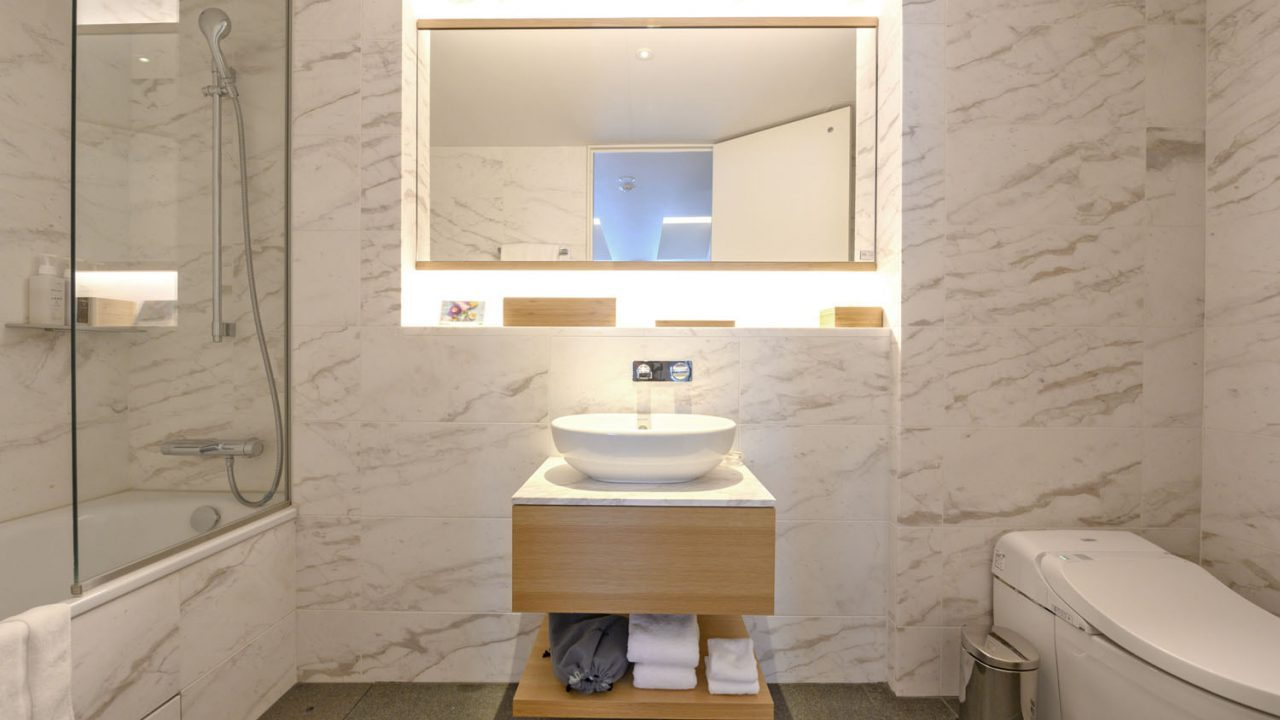 Skye 605 606 master bathroom