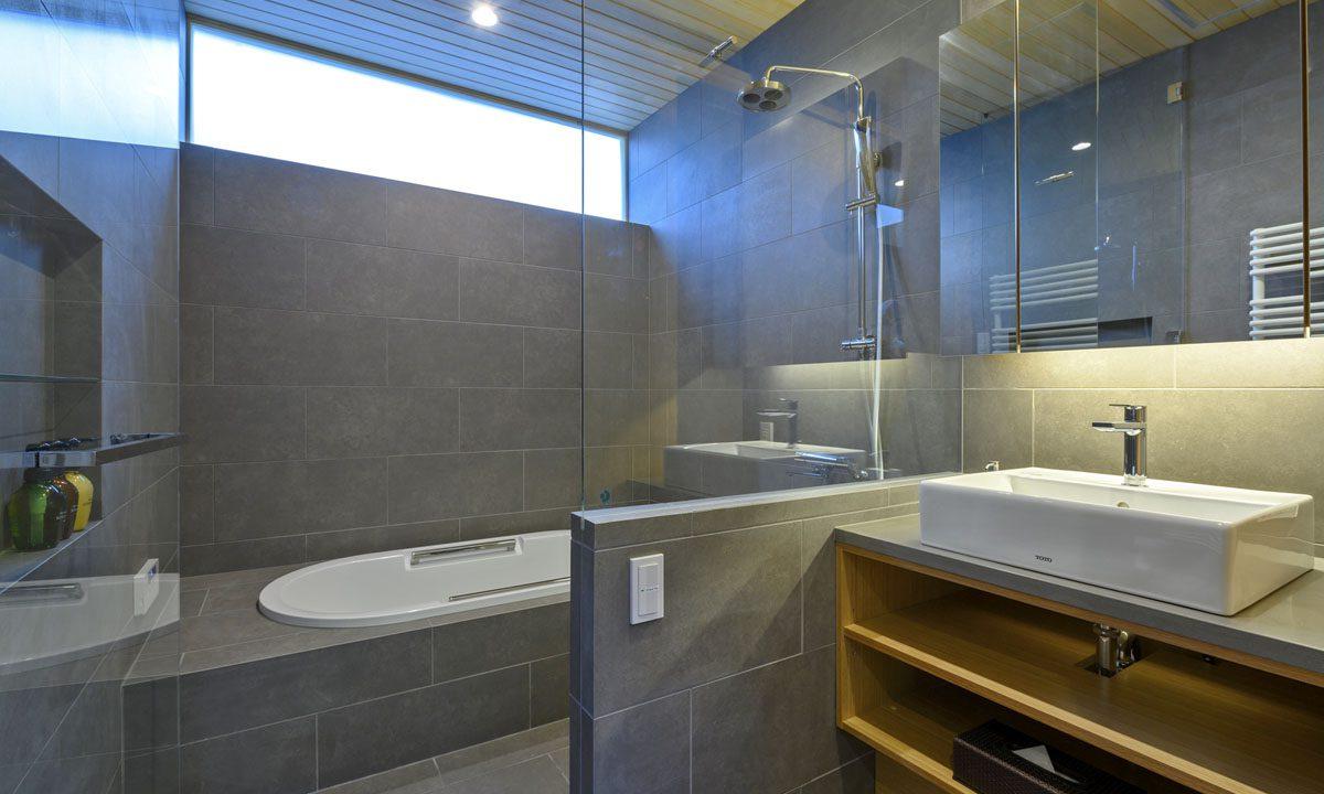 Hachiko Villa bathroom
